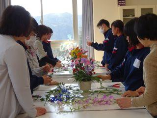 3学期生け花教室①.jpg